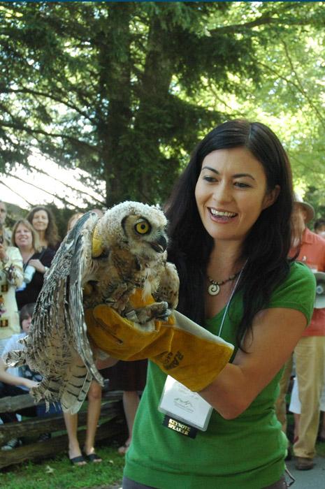 GreenHero Leilani Munter holding an owl